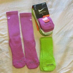 NWT 5 Nike Dri-Fit Cotton Cushioned Socks